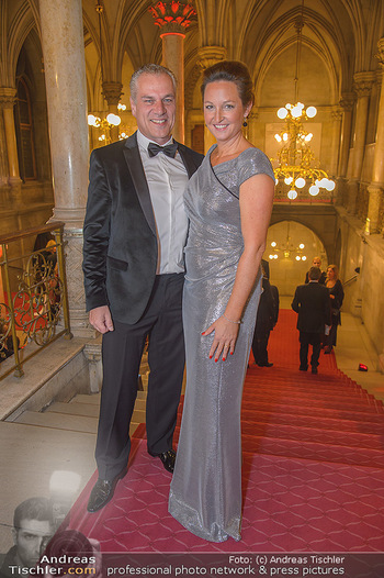 Life goes on Gala - Rathaus Wien - Sa 03.11.2018 - Hendrik HEY mit Ehefrau Esther20
