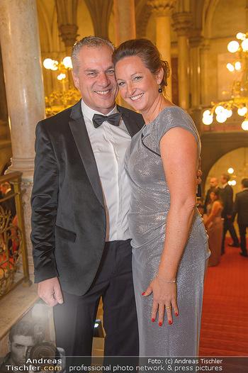 Life goes on Gala - Rathaus Wien - Sa 03.11.2018 - Hendrik HEY mit Ehefrau Esther22