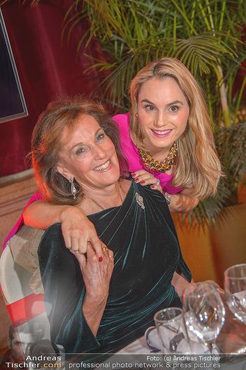 Life goes on Gala - Rathaus Wien - Sa 03.11.2018 - Prinzessin Sarah VON ISENBURG mit Mutter Constance NEUHANN-LOREN43