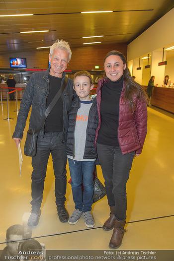 Die Schöne und das Biest - Wiener Stadthalle - Do 08.11.2018 - Boris BUKOWSKI mit Theresa und Leo7