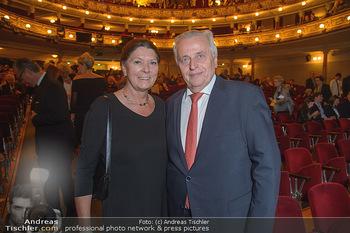Wider die Gewalt Gala - Ronacher - Mo 12.11.2018 - Rudolf HUNDSTORFER mit Ehefrau Karin RISSER20