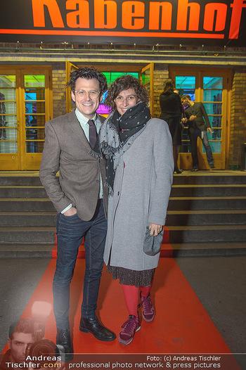 Premiere Vatermord - Rabenhof Theater - Do 15.11.2018 - Manuel RUBEY mit Freundin Stefanie NOLZ18