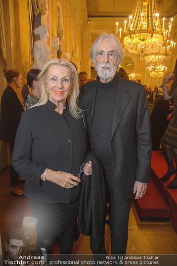Erwin Wurm Ausstellungseröffnung - Albertina - Di 20.11.2018 - Michael und Susi HANEKE12