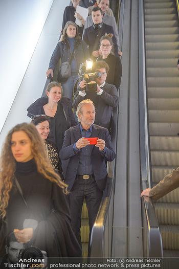 Erwin Wurm Ausstellungseröffnung - Albertina - Di 20.11.2018 - 22