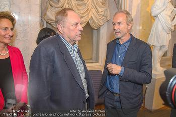 Erwin Wurm Ausstellungseröffnung - Albertina - Di 20.11.2018 - Christian Ludwig ATTERSEE, Erwin WURM37