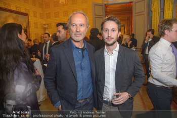 Erwin Wurm Ausstellungseröffnung - Albertina - Di 20.11.2018 - Erwin WURM mit Sohn Michael41