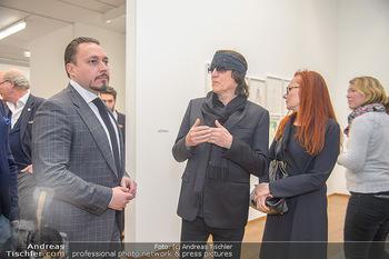 Erwin Wurm Ausstellungseröffnung - Albertina - Di 20.11.2018 - Klemens HALLMANN, Gottfried und Renate HELNWEIN51