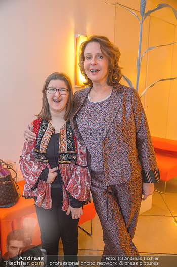 Master Lin Meaningful Luxury - MQ Museumsquartier, Wien - Mo 26.11.2018 - Patricia PAWLICKI mit Tochter Raphaela17