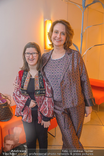 Master Lin Meaningful Luxury - MQ Museumsquartier, Wien - Mo 26.11.2018 - Patricia PAWLICKI mit Tochter Raphaela18