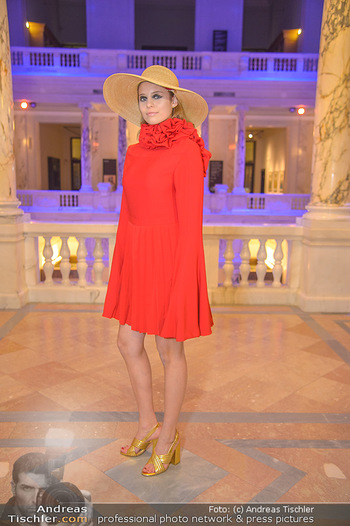 AFA - Austrian Fashion Awards - Weltmuseum - Di 27.11.2018 - Model in Rot19