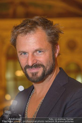 Philipp Hochmair Albumpräsentation - Burgtheater - Do 29.11.2018 - Philipp HOCHMAIR (Portrait)4