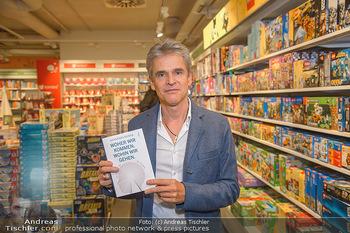Johannes Huber Buchpräsentation - Thalia, Landstraße - Mo 03.12.2018 - Thomas BREZINA1