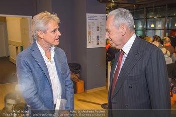 Johannes Huber Buchpräsentation - Thalia, Landstraße - Mo 03.12.2018 - Thomas BREZINA, Johannes HUBER5