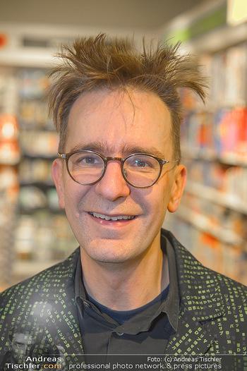 Johannes Huber Buchpräsentation - Thalia, Landstraße - Mo 03.12.2018 - Gerald HÖRHAN (Portrait)17