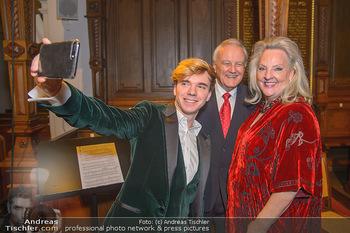 Benefiz-Weihnachtskonzert - Lutherische Stadtkirche AB - Di 04.12.2018 - Yuri REVICH macht Selfie mit Linda WATSON, Hans Peter OCHSENHOFE18