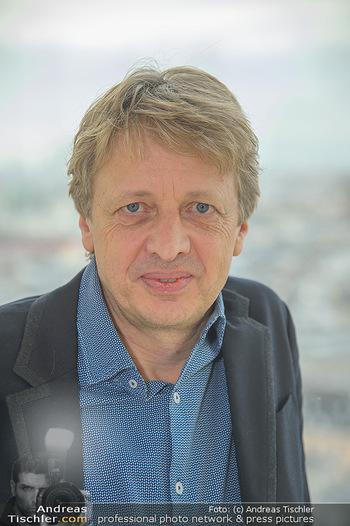 Österreichischer Filmpreis Nominierten Bekanntgabe - Ringturm Wien - Do 06.12.2018 - Michael STURMINGER (Portrait)6