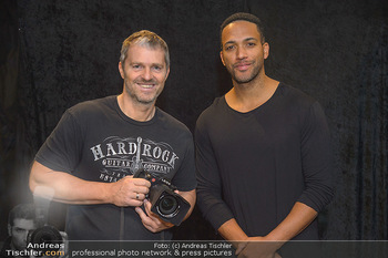 Dancer against Cancer Fotoshooting - BMW Wien Heiligenstadt - Do 06.12.2018 - Manfred BAUMANN, Cesar SAMPSON9