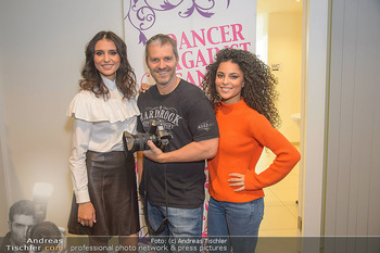 Dancer against Cancer Fotoshooting - BMW Wien Heiligenstadt - Do 06.12.2018 - Valentina FORNITA, Patricia MEEDEN, Manfred BAUMANN43