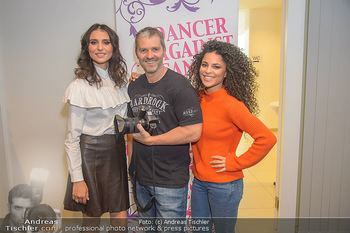 Dancer against Cancer Fotoshooting - BMW Wien Heiligenstadt - Do 06.12.2018 - Valentina FORNITA, Patricia MEEDEN, Manfred BAUMANN44
