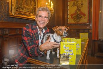 Goldenes Buch für Thomas Brezina - Hauptverband des Österreichischen Buchhandels - Di 11.12.2018 - Thomas BREZINA mit seinem Hund Joppy1