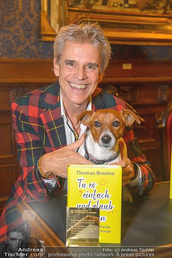 Goldenes Buch für Thomas Brezina - Hauptverband des Österreichischen Buchhandels - Di 11.12.2018 - Thomas BREZINA mit seinem Hund Joppy4