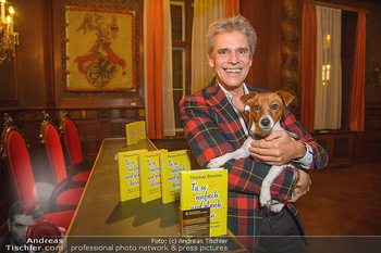 Goldenes Buch für Thomas Brezina - Hauptverband des Österreichischen Buchhandels - Di 11.12.2018 - Thomas BREZINA mit seinem Hund Joppy5