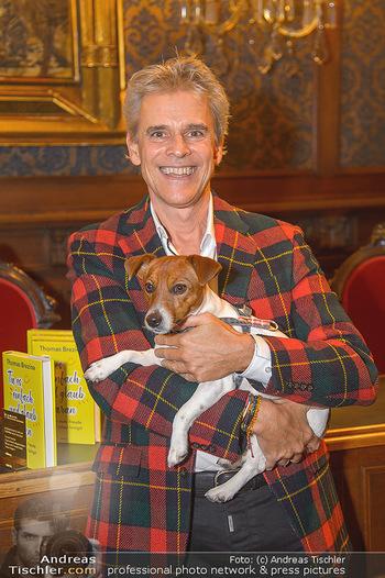 Goldenes Buch für Thomas Brezina - Hauptverband des Österreichischen Buchhandels - Di 11.12.2018 - Thomas BREZINA mit seinem Hund Joppy6