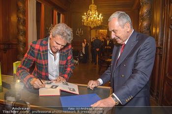 Goldenes Buch für Thomas Brezina - Hauptverband des Österreichischen Buchhandels - Di 11.12.2018 - Thomas BREZINA, Johannes HUBER7