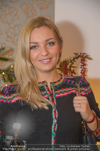 Marika Lichter X-Mas Cocktail - Privatwohnung Lichter - Mi 12.12.2018 - Lidia BAICH (Portrait)25