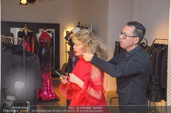 Jeanine Schiller Kleidanprobe - Atelier Thang de Hoo - Di 18.12.2018 - Jeanine SCHILLER, Thang DE HOO2
