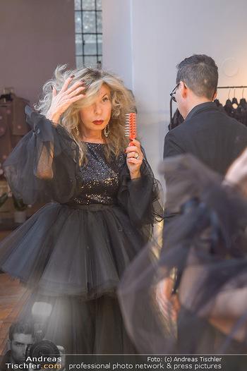 Jeanine Schiller Kleidanprobe - Atelier Thang de Hoo - Di 18.12.2018 - Jeanine SCHILLER, Thang DE HOO7