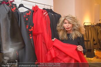 Jeanine Schiller Kleidanprobe - Atelier Thang de Hoo - Di 18.12.2018 - Jeanine SCHILLER33