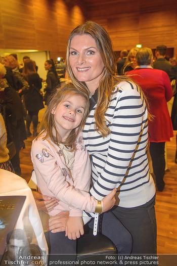 Schwanensee - Stadthalle - Mi 19.12.2018 - Martina KAISER mit Tochter Kiana12