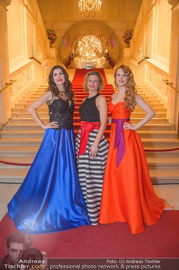 Silvesterball - Hofburg Wien - Mo 31.12.2018 - Alexandra KASZAY, Monika BALLWEIN, Natalie ALISON20