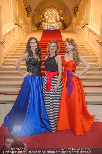 Silvesterball - Hofburg Wien - Mo 31.12.2018 - Alexandra KASZAY, Monika BALLWEIN, Natalie ALISON22