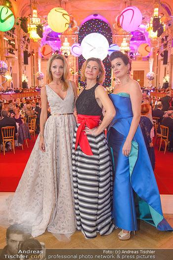 Silvesterball - Hofburg Wien - Mo 31.12.2018 - Martina MÜLLER (Callisti), Alexandra KASZAY, Barbara HELFGOTT109