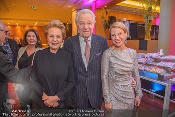 Jeanine Schiller Neujahrscocktail - Hilton am Stadtpark - Di 08.01.2019 - Harald und Mausi Ingeborg SERAFIN, Kristina SPRENGER10