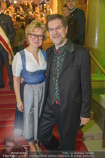 Steirerball - Hofburg Wien - Fr 11.01.2019 - Andreas ZAKOSTELSKY mit Ehefrau Eva5