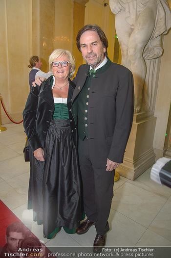 Steirerball - Hofburg Wien - Fr 11.01.2019 - Franz VOVES mit Ehefrau Ingrid9