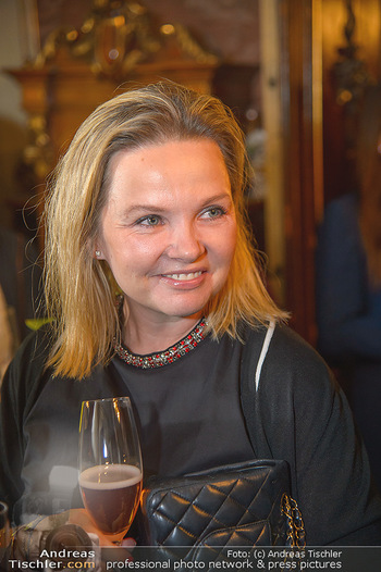 Neujahrscocktail für Frauen - Amalthea Verlag - Di 15.01.2019 - Joanna MANN (Portrait)3
