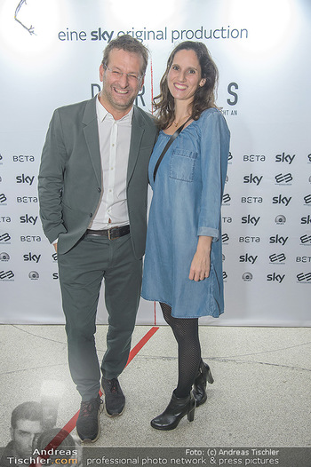 SKY Der Pass Premiere - Urania - Di 15.01.2019 - Andreas FERNER mit Ehefrau Victoria13