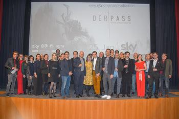 SKY Der Pass Premiere - Urania - Di 15.01.2019 - 145