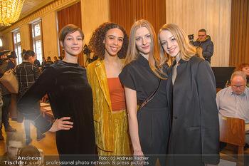 Opernball PK - Wiener Staatsoper - Mi 16.01.2019 - Olga ESINA, Nikisha FOGO, Natascha MAIR, Maria YAKOVLEVA45