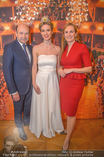 Opernball PK - Wiener Staatsoper - Mi 16.01.2019 - Dominique MEYER, Maria GROßBAUER GROSSBAUER mit Debüdantin Nin83