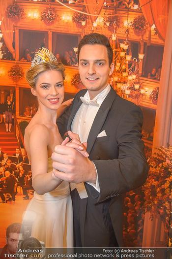 Opernball PK - Wiener Staatsoper - Mi 16.01.2019 - Balldebüdanten Nina und Sebastian100