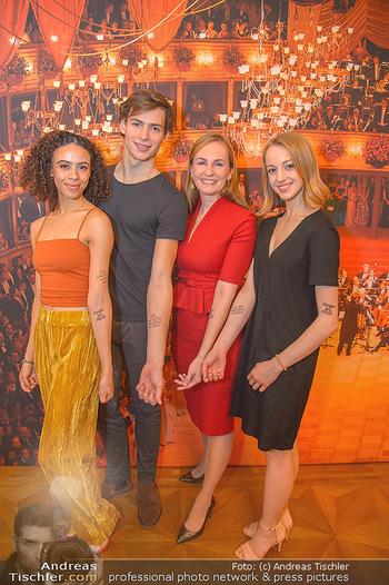 Opernball PK - Wiener Staatsoper - Mi 16.01.2019 - Olga ESINA, Nikisha FOGO, Natascha MAIR, Jakob FEYFERLIK101