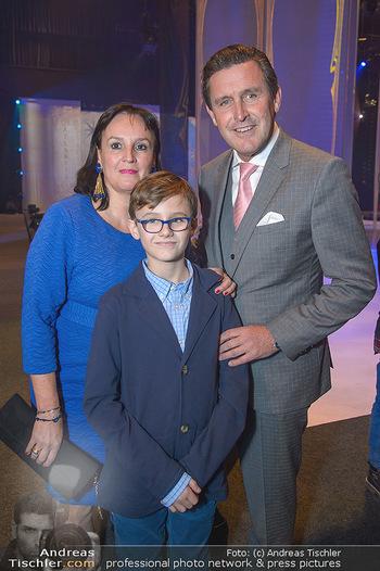 Holiday on Ice Atlantis Premiere - Stadthalle, Wien - Mi 16.01.2019 - Peter HANKE mit Ehefrau und Sohn Philipp24