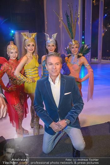 Holiday on Ice Atlantis Premiere - Stadthalle, Wien - Mi 16.01.2019 - Alfons HAIDER mit Tänzerinnen30