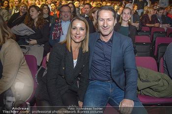 Holiday on Ice Atlantis Premiere - Stadthalle, Wien - Mi 16.01.2019 - Franko FODA mit Ehefrau Andrea42