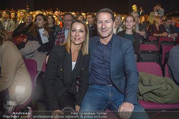 Holiday on Ice Atlantis Premiere - Stadthalle, Wien - Mi 16.01.2019 - Franko FODA mit Ehefrau Andrea43
